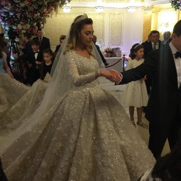 Свадебное платье Хадижи Ужаховой