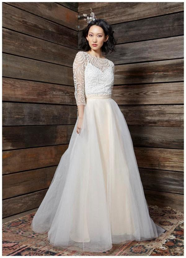 Длинное свадбеное платье в пол