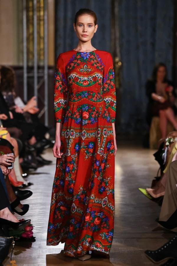 Модное штапельное платье в русском стиле