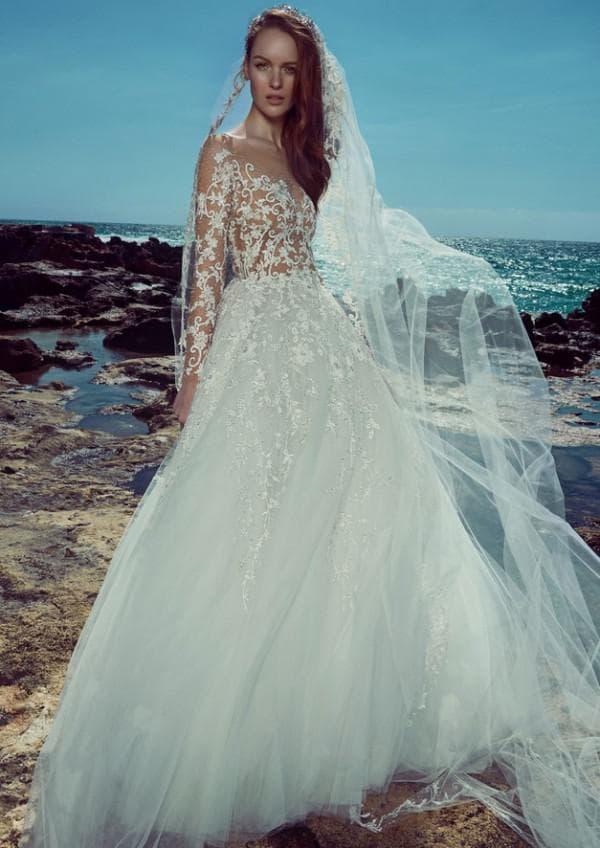Пышное свадебное платье с прозрачным верхом