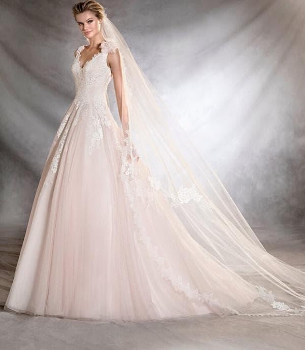 нежно розовое свадебное платье в пол