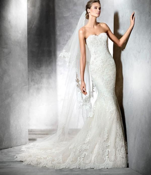 Круженое свадебное платье русалка
