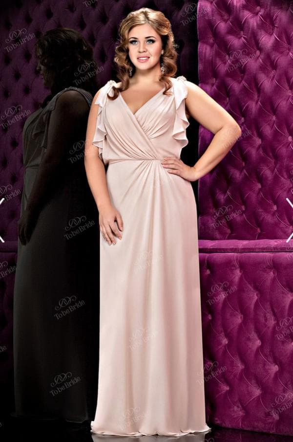 Стильное вечернее платье для полных женщин