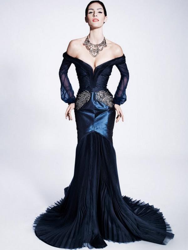Росошное вечернее платье синего цвета