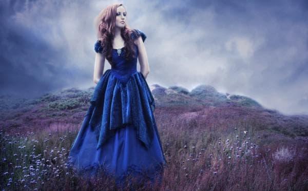 Вечернее длинное платье темно синего цвета