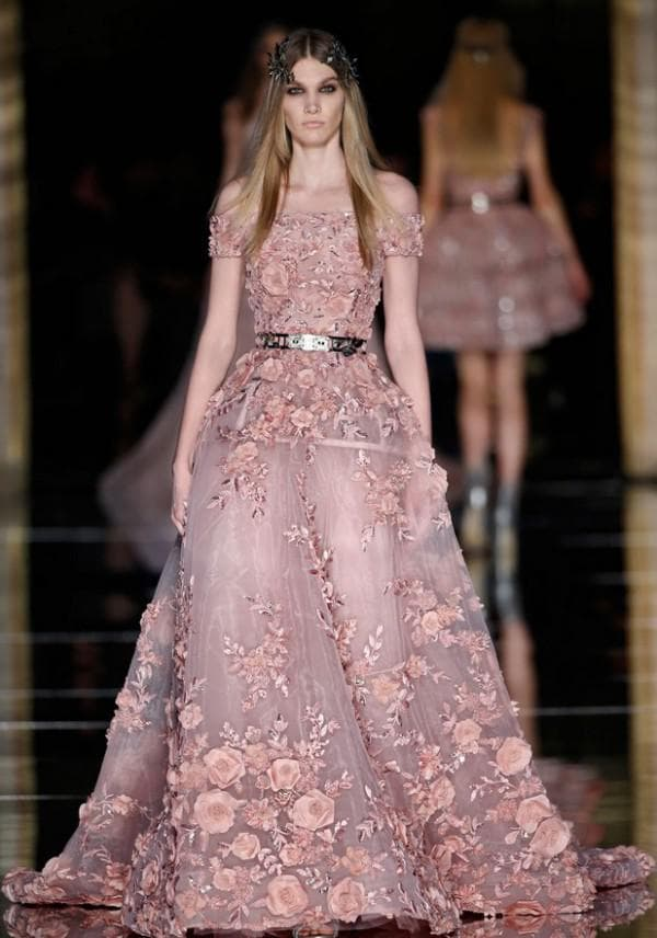 Розовое платье в цветок от Зухаира Мурада