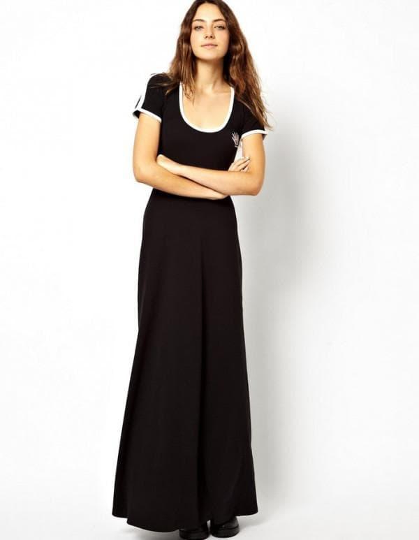 Длинное элегантное спортивное платье