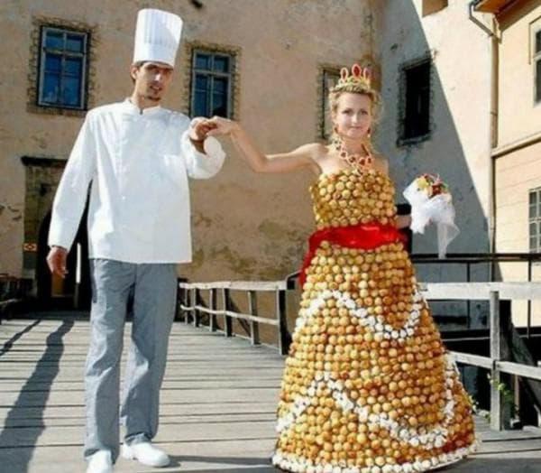 Свадебное платье из пирожных