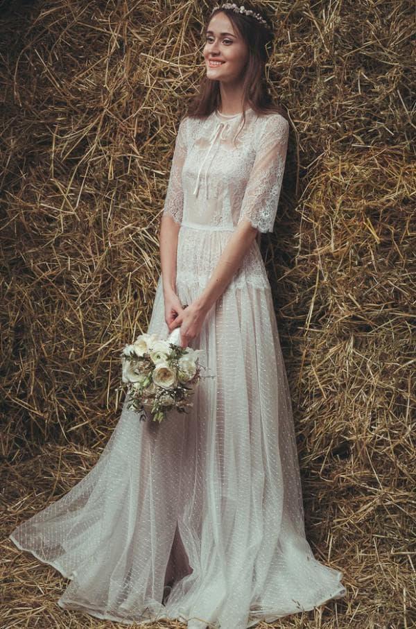 Полупрозрачное длинное свадебное платье в стиле рустик