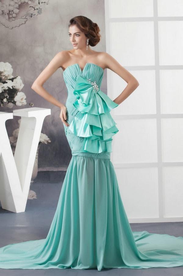 Роскошное вечернее платье мятного цвета