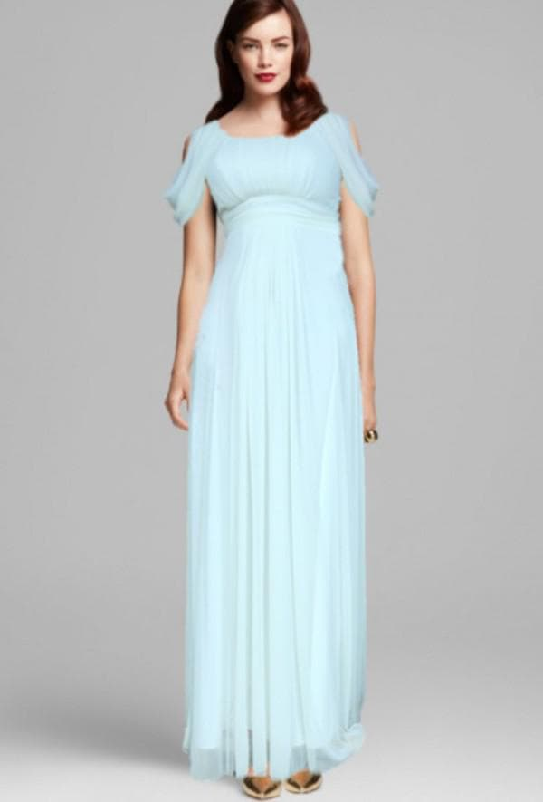 Нежно голубое платье в пол для беременной