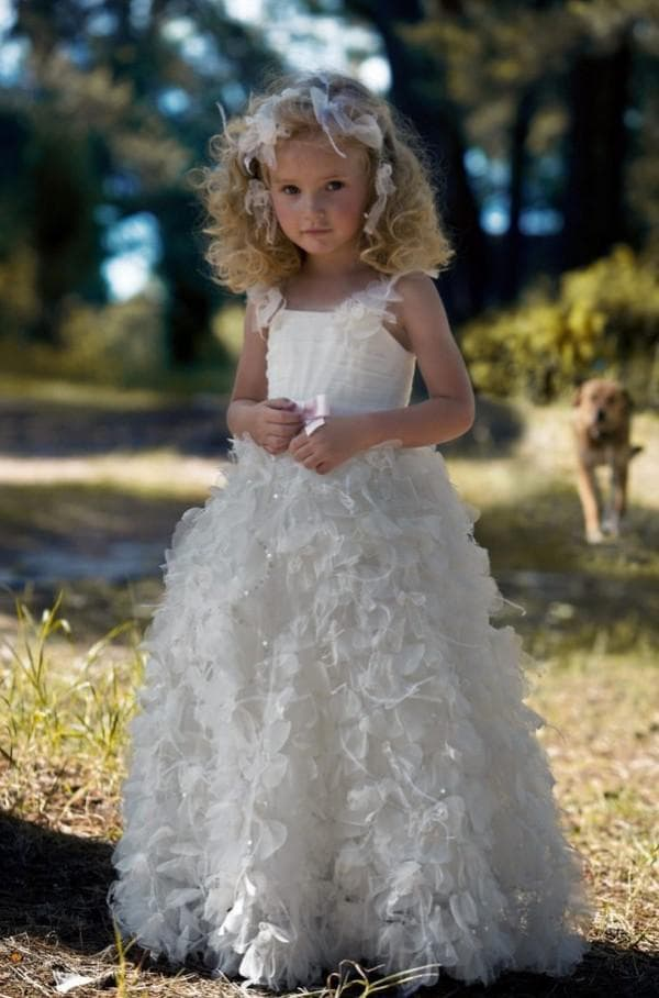 Платье на свадьбу для девочки с пышной юбкой