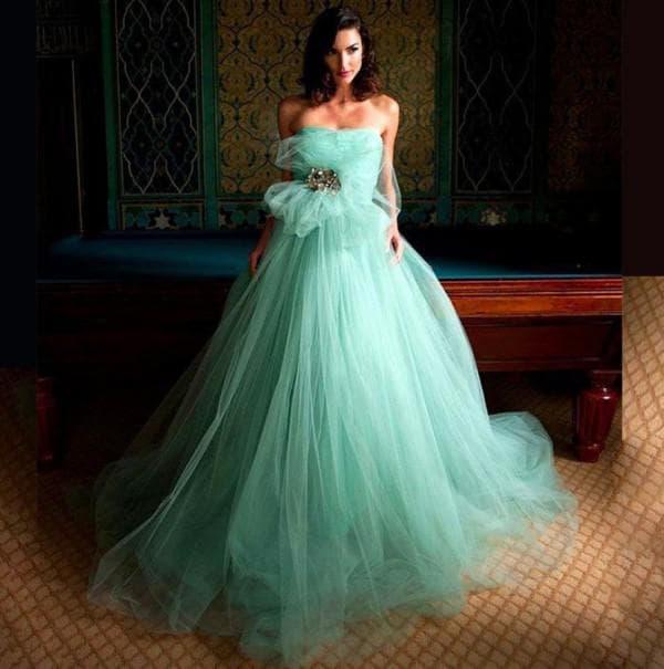 Вечернее платье цвета тиффани