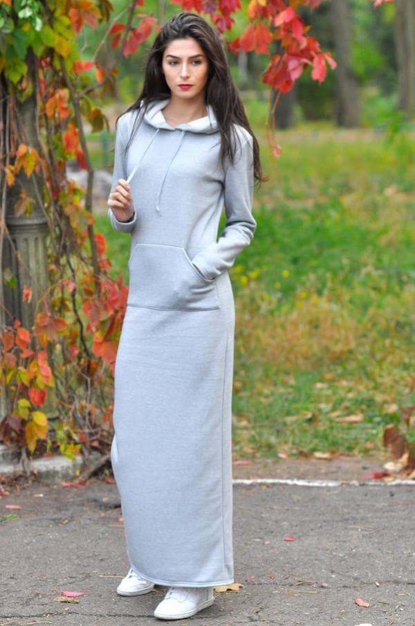 Осеннее спортивное длинное платье