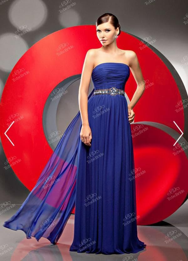 Вечернее платье василькового цвета