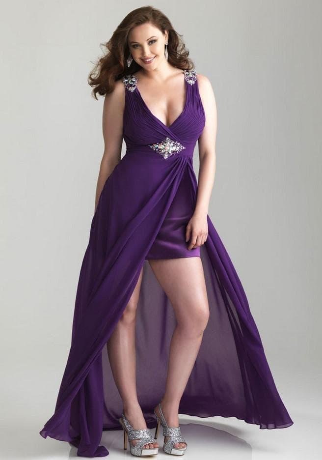 Фиолетовое платье для полных со шлейфом