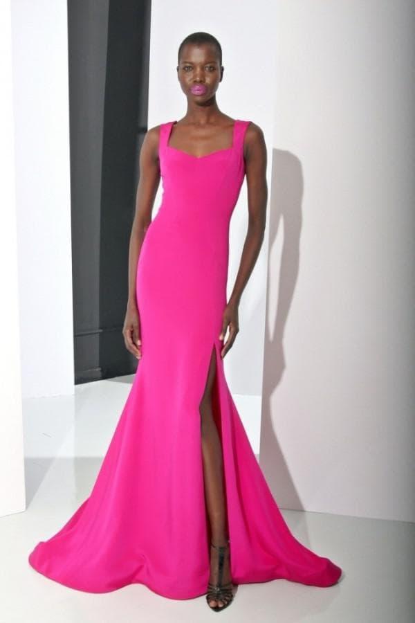 Вечернее платье русалка цвета фуксия