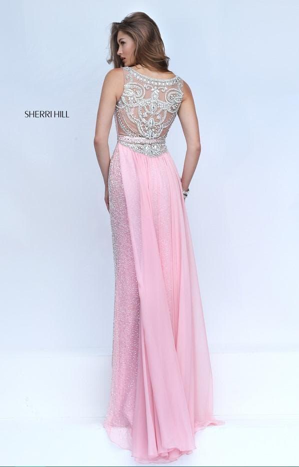 Вечернее платье в пол с вышивкой