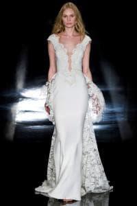 Роскошное прямое свадебное платье с кружевом