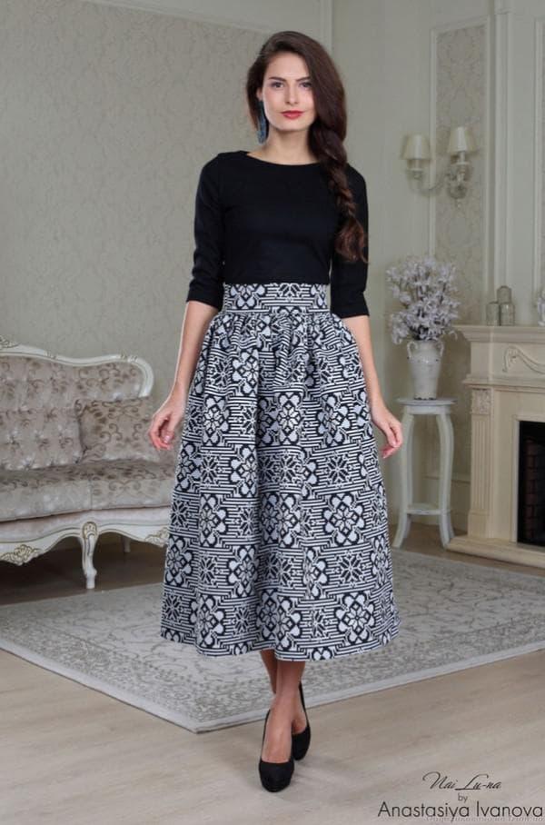 Платье француской длины в деловом стиле