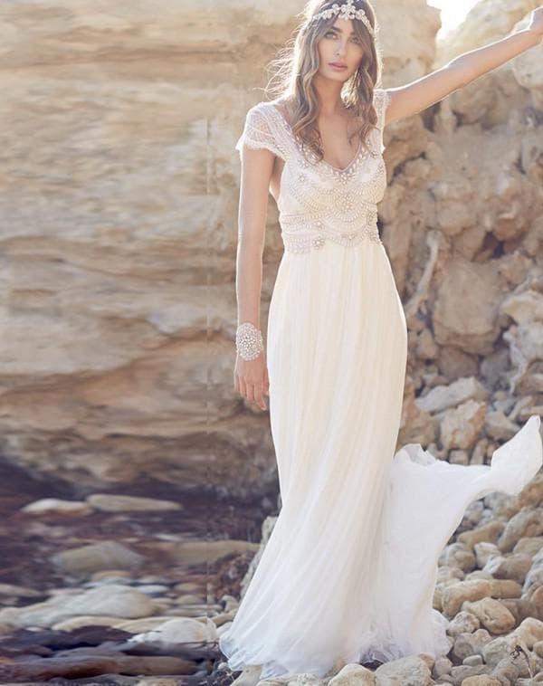 Свадебное платье в стиле бохо с коротким рукавом