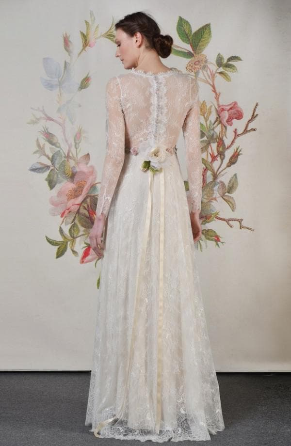 Свадебное платье в стиле бохо с длинными рукавами