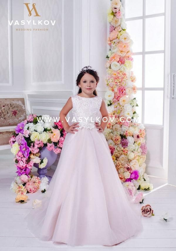 Нежно-розовое платье для девочки бальное