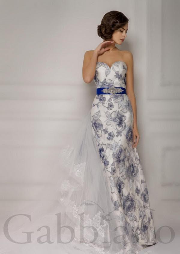 Свадебное платье в синий цветок