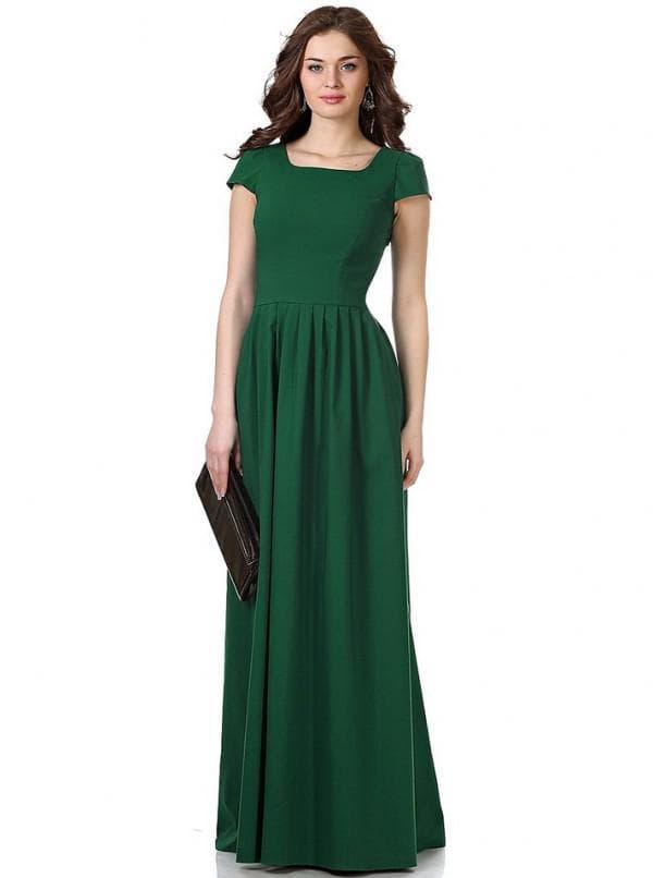 Темно зеленое платье в пол