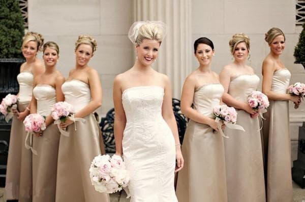 Платья цвета капучино на свадьбу для подруг