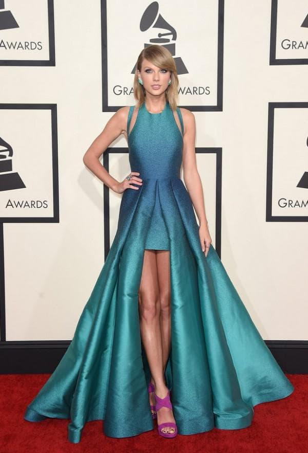 Платье цвета аквамарин Оскар