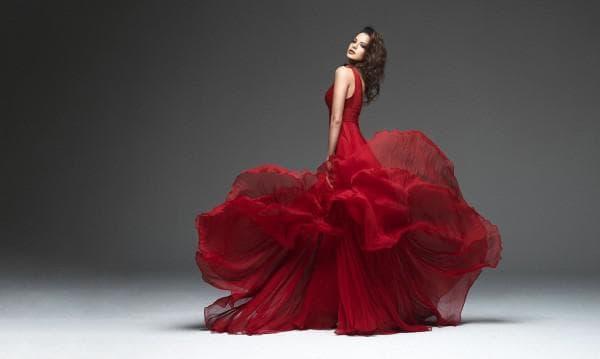 Вечернее пышное платье цвета марсала