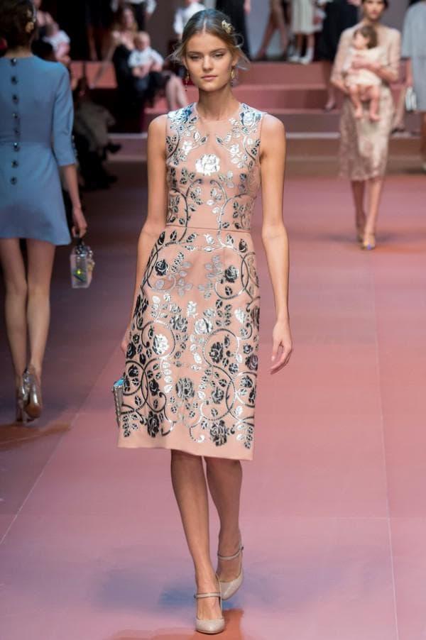 Модное платье и туфли
