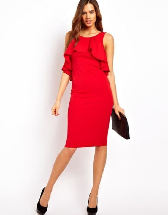Красное нарядное платье футляр