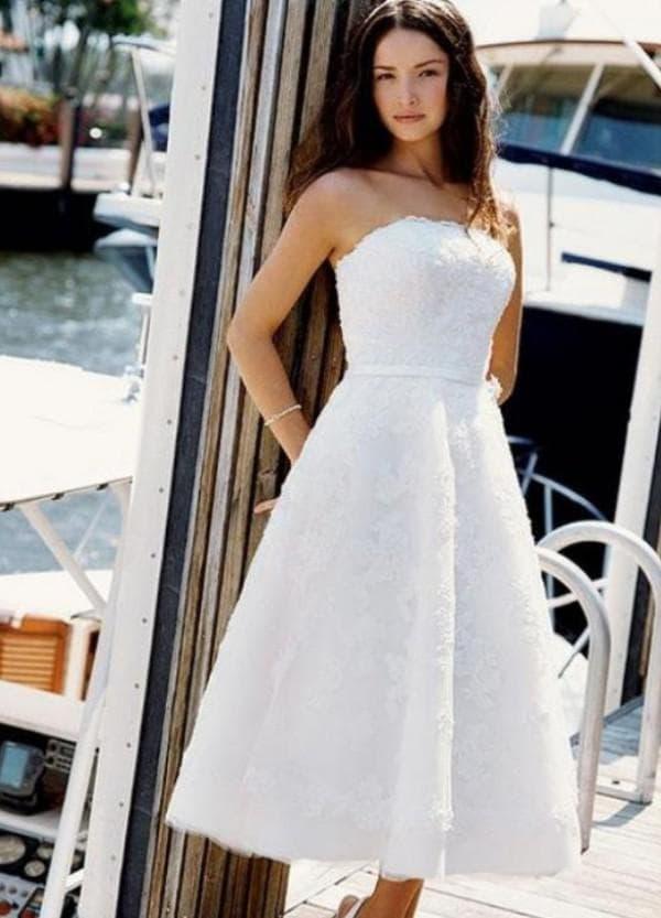 Недорогое гипюровое платье невесты