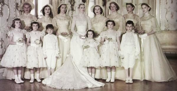 Наряды подружек невесты на свадьбе Грейч Келли