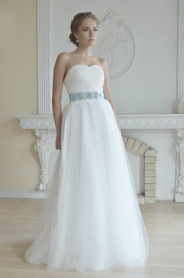 Красивое и недорогое свадебное платье в пол