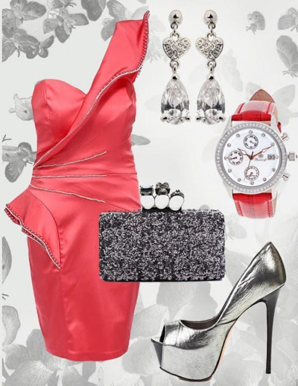 Красное платье с серебрянными аксессуарами