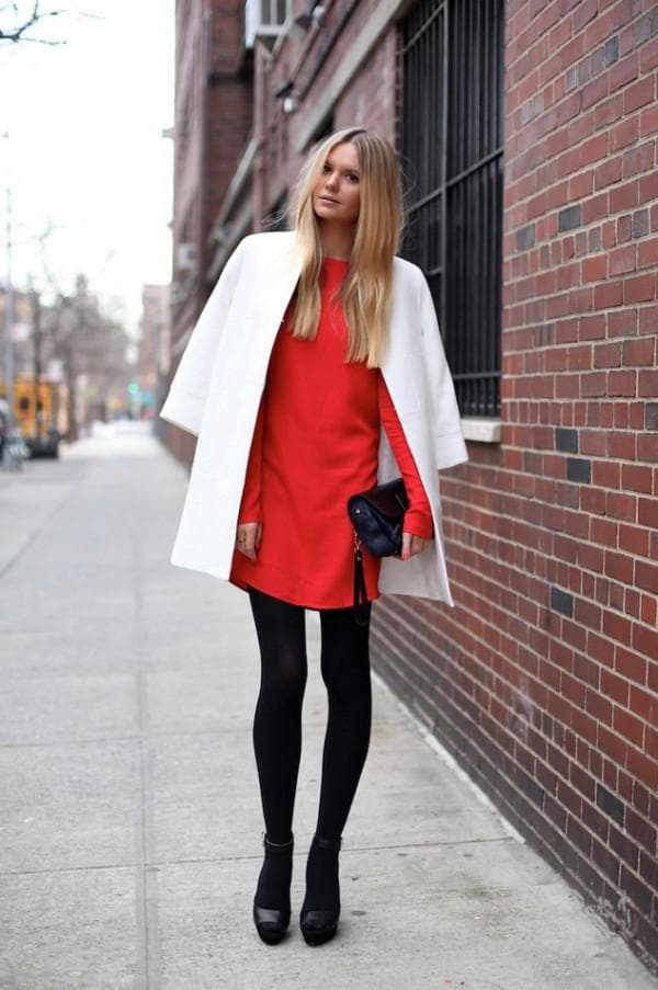 Что надеть с красным платьем осенью