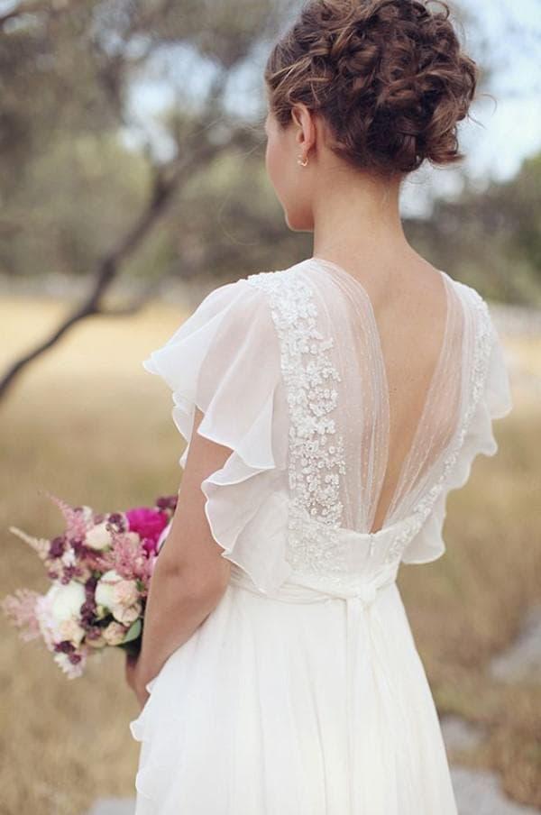 Свадебное платье в стиле бохо с открытой спиной