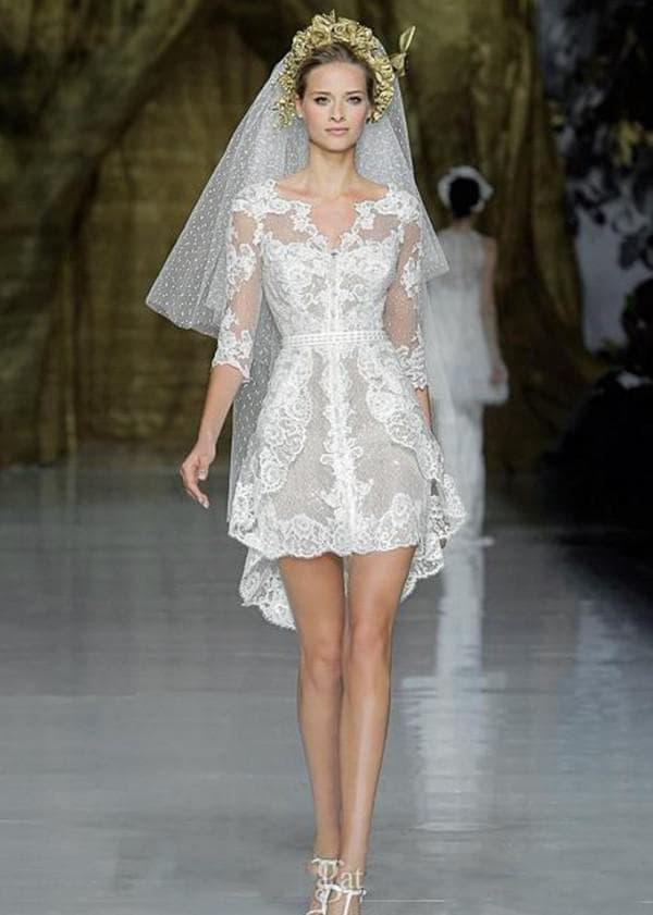 Короткое свадебное платье подиум