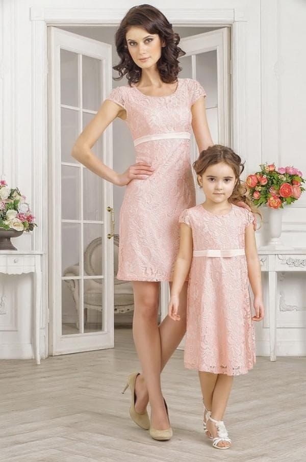 Одинаковые платья для мамы и дочки нарядные