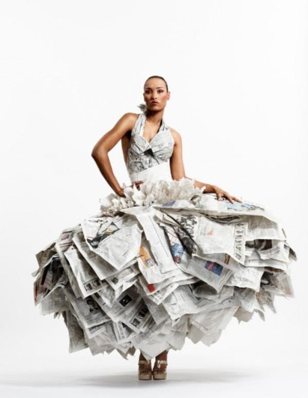 Свадебное платье из газет