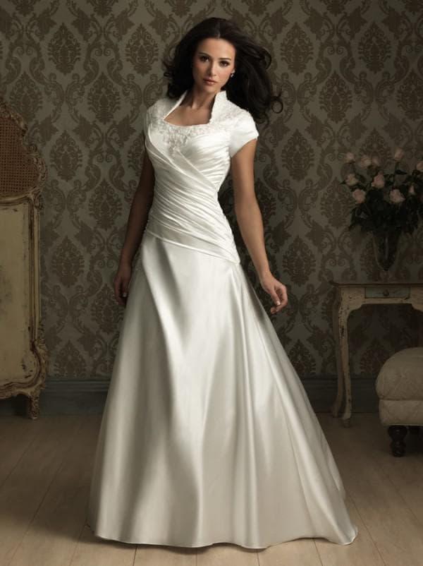 Свадебное атласное платье для женщин от 40 лет