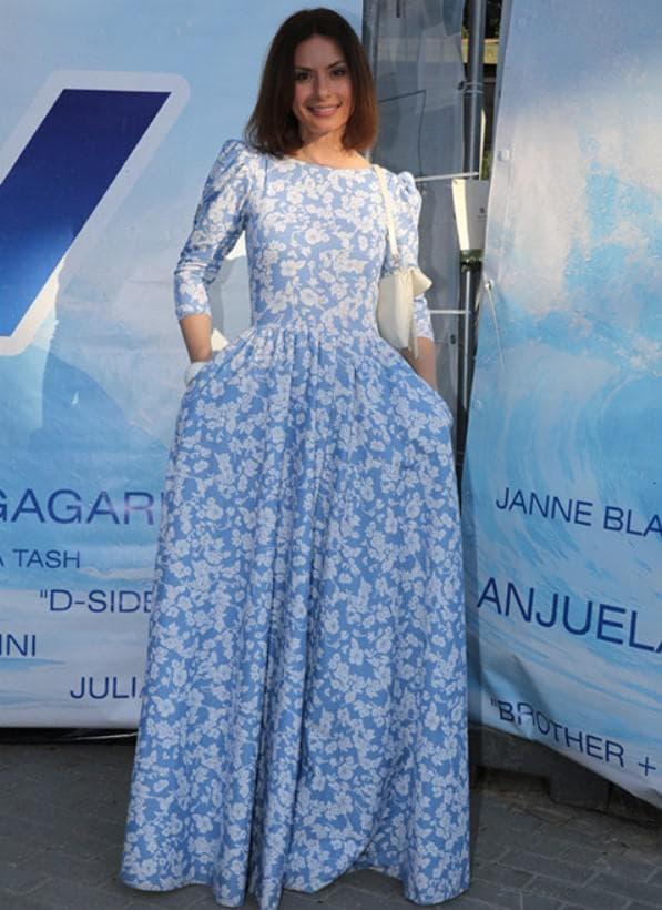 Голубое платье барышня крестьянка в пол