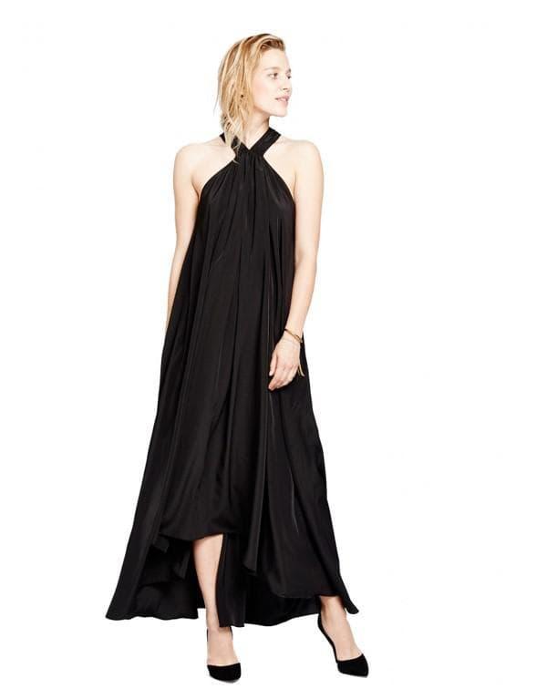 Черное летящее платье для беременных