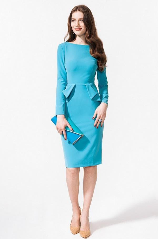 Голубое платье с баской в офис