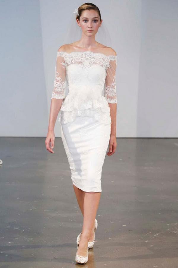 Короткое обтягивающее платье невесты