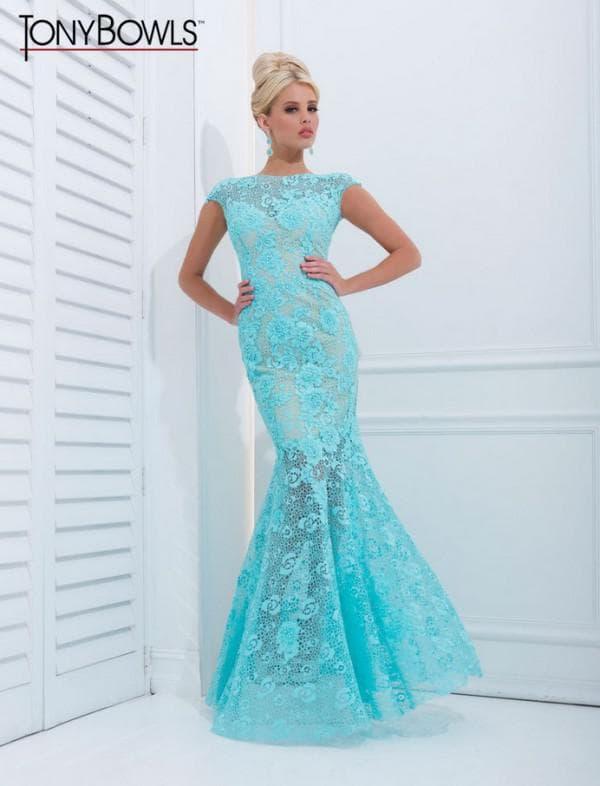 Голубое кружевное платье в пол