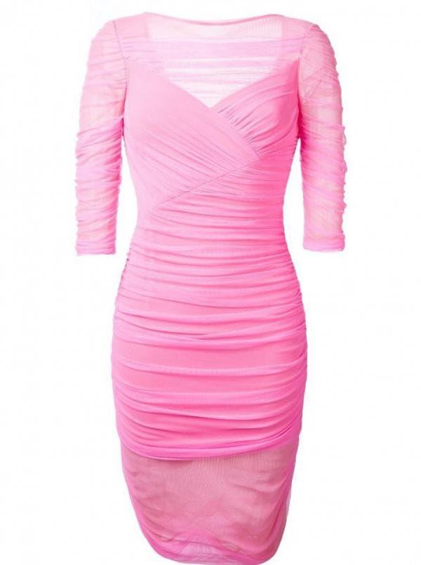Розовое обтягивающее платье